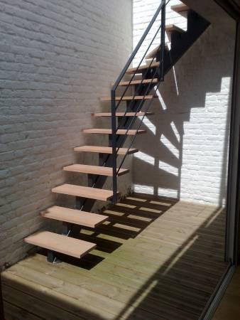 escalier ext marches bois et limon central
